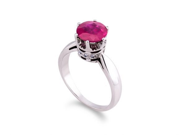 Ring - Crown with a ruby